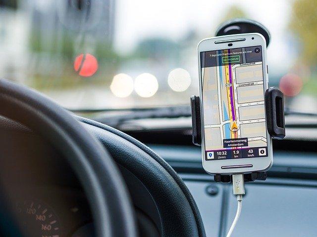 navigace v automobilu