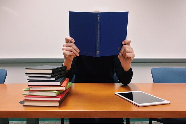 studium z knih