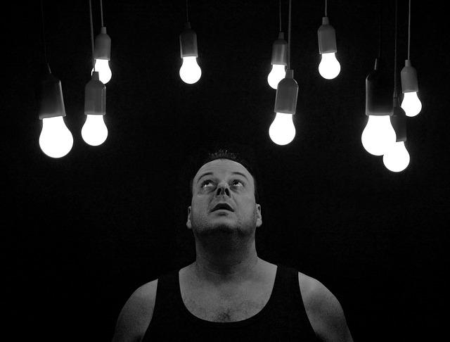 Nějaké peníze by mohla ušetřit šikovná LED žárovka e27